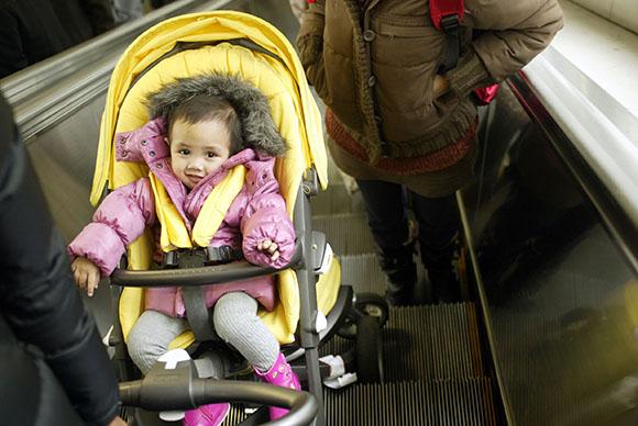 strollers-on-escalators