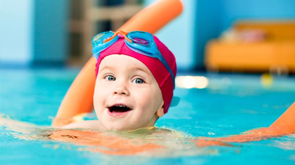 child-swimming2