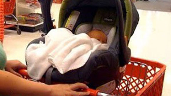 """6 Top Reasons """"Car Seat On The Shopping Cart"""" Is A BAD Idea. #2 Is Heartbreaking"""