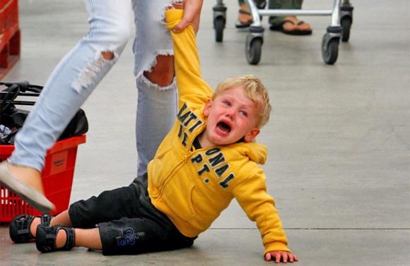 child-public-tantrum