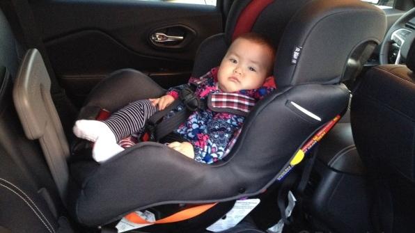 rear-facing-seat-middle-backseat (3)