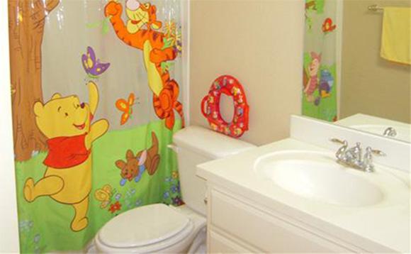 03-potty-training-fun-bathroom1