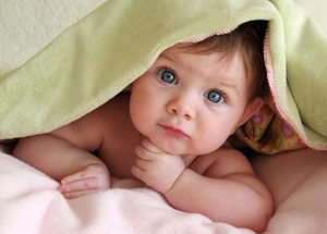 8 Doable Tips To Help Your Baby Switch To A Big Bed