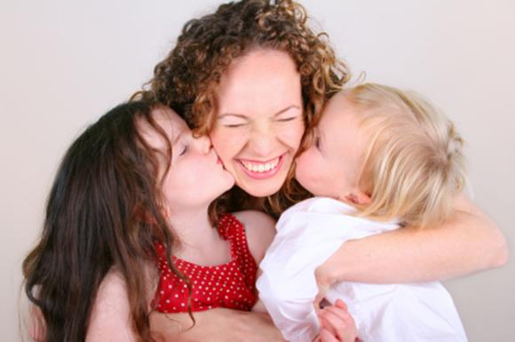 mom-hugging-kids