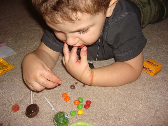 toddler-eating-hard-candy
