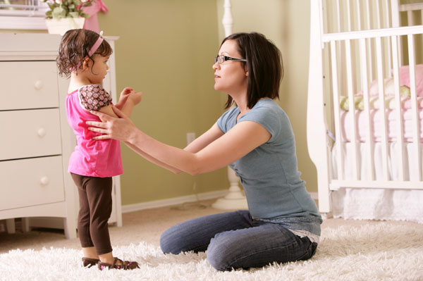 mom-talking-to-toddler-girl