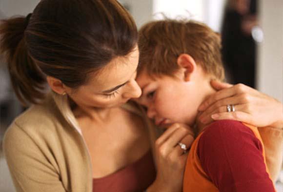 mom-hugging-child
