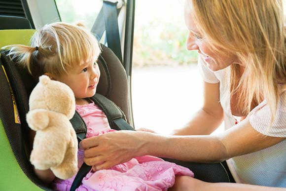 stuff-animal-baby-in-car-seat