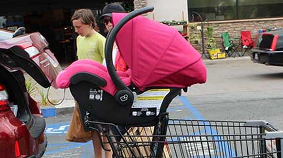 car-seat-on-shopping-cart-36