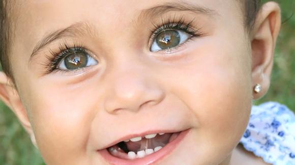 baby-ear-piercing2a